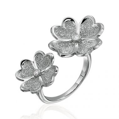 Gumuchian G. Boutique 18k White Gold Diamond Kelly Ring